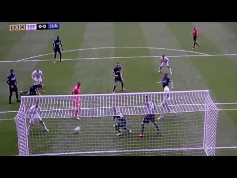 Stefan Freund Tottenham v Sunderland 19th May Funny Walk