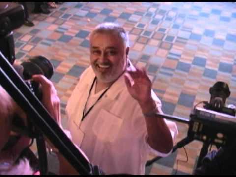 LEIDA ALVAREZ ENTREVISTA AL VENTRILOCUO CARLOS PEREIRA Y SU GOCHIRILA PARA MIAMI MAGAZINE TV
