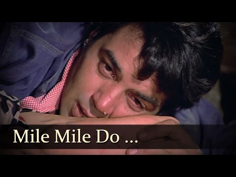 Mile Mile Do Badan Khile Khile Do Chaman - Dharmendra - Rakhi...