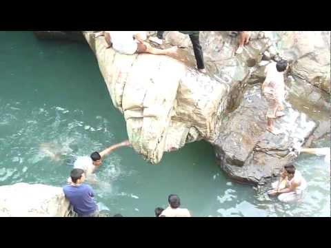Wadi Wurayya Waterfall (Khor Fakkan).MOV