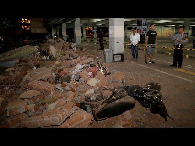 Powerful earthquake strikes Indonesia's tourist islands killing at least 32