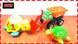 đồ chơi Chú rùa con lái xe máy xúc đi đào pin nặng lượng little turtle toy for kids kid childrens