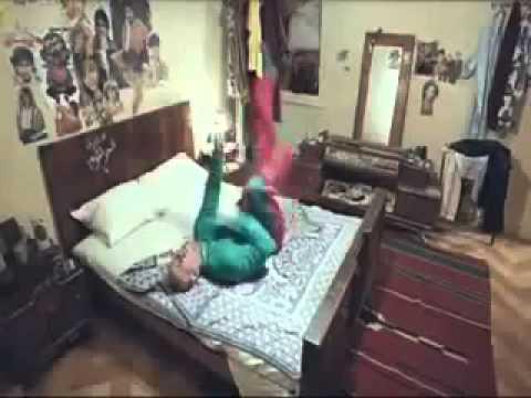 أحمد مكى «حزلقوم» يرقص على أغنية داعش