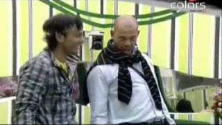 Andrew Symonds in funny mood speaking Hindi