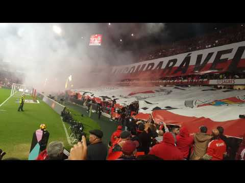 Benfica 2-1 Sporting (Inferno da Luz) #1