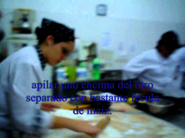 masa philo en escuela de pasteleros Emi.
