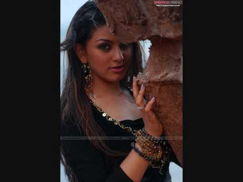Nazia Iqbal New Song 2010 Very Very Nice Hd  (tor Qamees Che Tor Garzawom) video