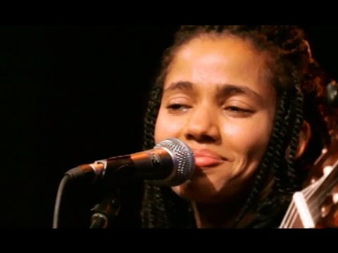 "Nneka LIVE ""Shining Star"" - My Fairy Tales - Tour 2015 @Jam'in'Berlin"