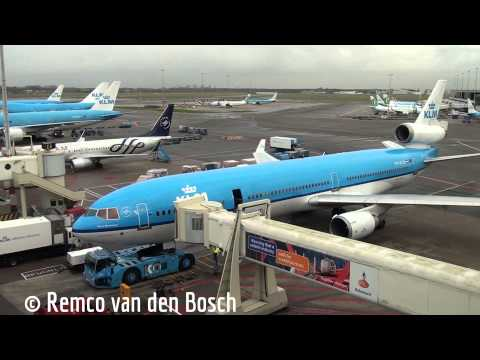 Plane spotting at Schiphol Airport 30 november 2013