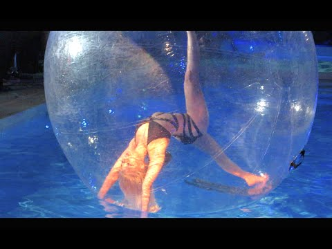 Hot Girl Dancing In A Pool Bubble!!! (vlog Day 210) video