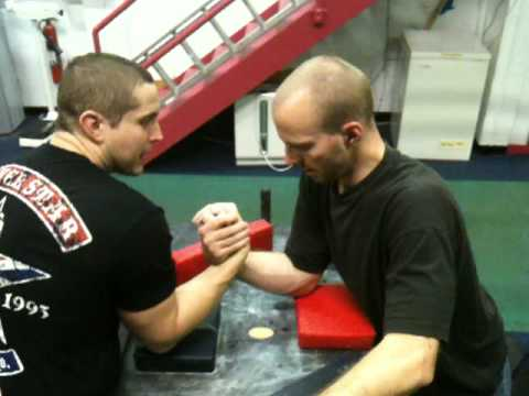 Arm Wrestling Techniques - Explaining the Hook Image 1