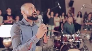 Para que Entre o Rei, Lindo És e Só Quero Ver Você + There Is Only One - Medley - Ministério Toca-me