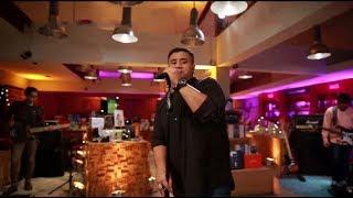download lagu Mike Mohede - Sahabat Jadi Cinta Live At  gratis