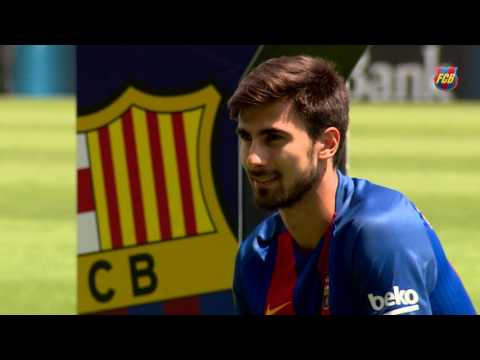 André Gomes skills during his presentation as a FC Barcelona player