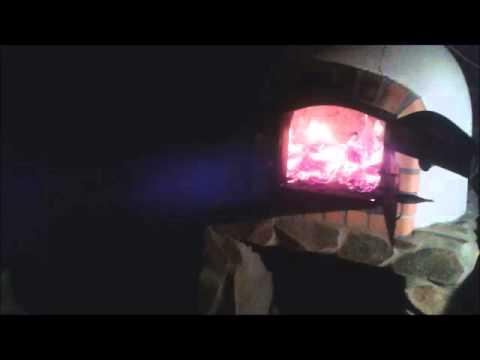 Oheň v pizza peci