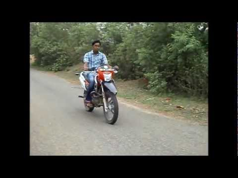 sTrEEt RuLeRZ (SRz) bike stunts in mosaboni and ghatsila on IMPULSE,CBZ XTREME,HONDA DIO,etc..