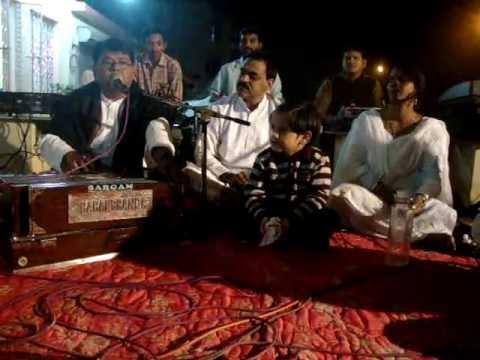 Shri B K Singh sings JAI JAI NARAYAN NARAYAN HARI HARI at AoL...