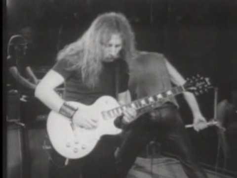 P.Mobil - Utolsó Cigaretta/Oh,Carol Live 1983