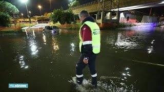 Hagelstorm spoelt Romeinse zomer de stad uit - RTL NIEUWS