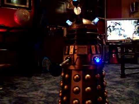voice control dalek 18 inch  in remote mode