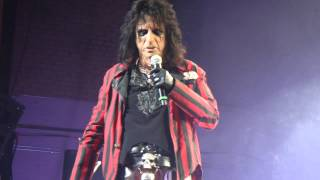 Watch Alice Cooper Hello Hooray video