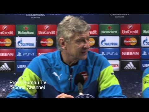 Arsene Wenger & Danny Welbeck pre Arsenal vs Monaco