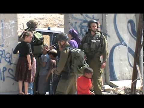 Settlers attack Palestinian children for playing with bubbles in Hebron