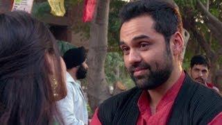 Sonam Kapoor kisses Abhay Deol - Ambikapathy