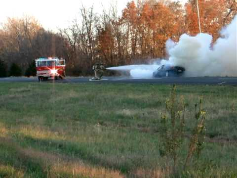 Car on Fire-Decatur, IL November 4, 2011 003.AVI