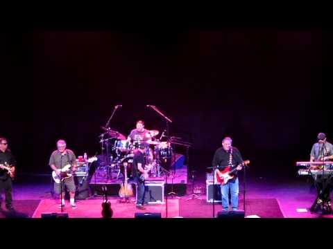 Los Lobos - Lets Go (live 12.10.10)