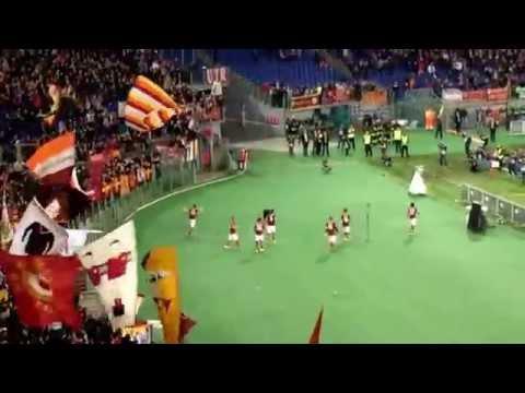 Rodrigo Taddei! Il tributo della Sud dopo il gol col Parma