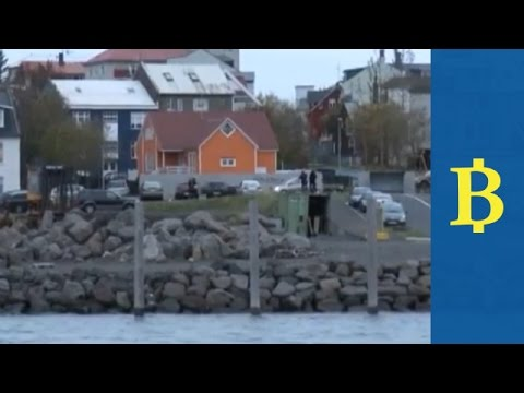 Iceland eases capital controls in place since 2008 crash