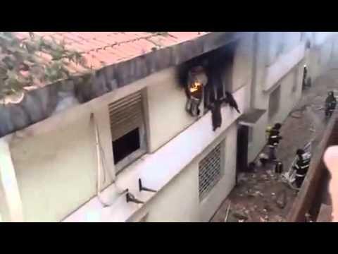 Aeronave de Eduardo Campos cai em Santos