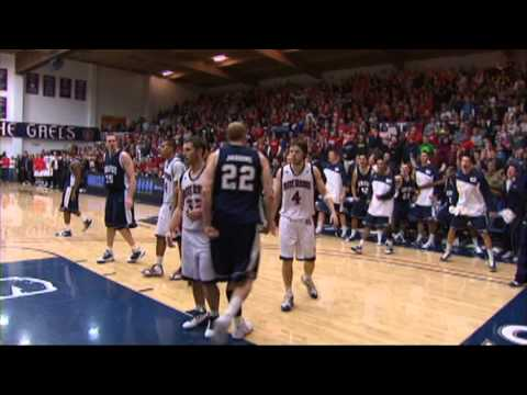 Brady Jardine dunks on St. Mary's