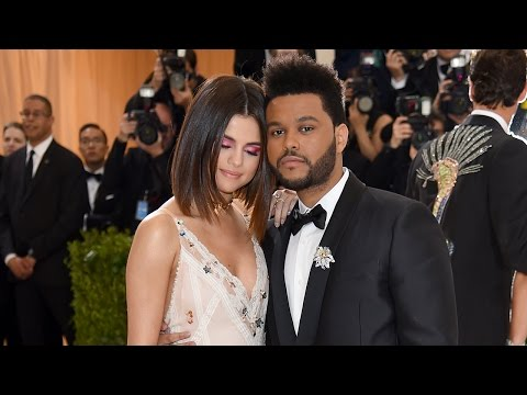 Selena Gomez and The Weeknd Show Major PDA in First Red Carpet Appearance at 2017 Met Gala thumbnail
