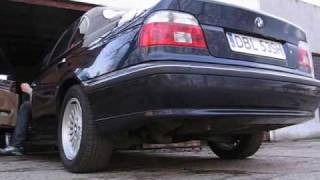 BMW E39  528i sound of custom exhaust and acceleration exhoust