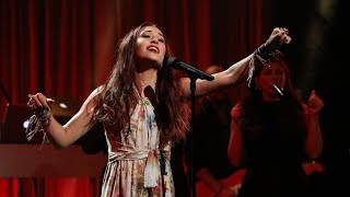 Download Lagu Singer Lauren Daigle Makes Her Ellen Debut Gratis STAFABAND