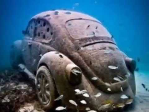 Suyun Altında Terk edilmiş Ve Kazalı Klasik Arabalar