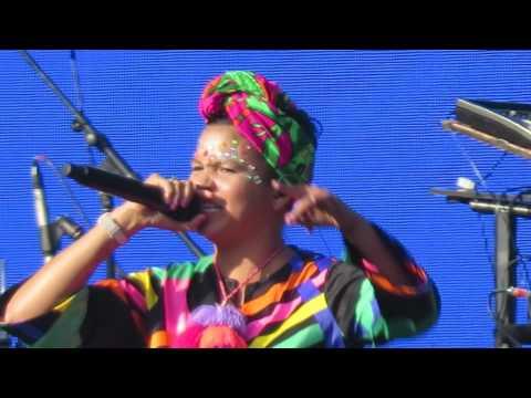 Bomba Estereo - Soy Yo (Lollapalooza Chile 2017)