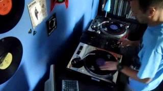 Baixar Favela B-boy Funk - Freqnik & WDRE (Boro Records 45rpm single)