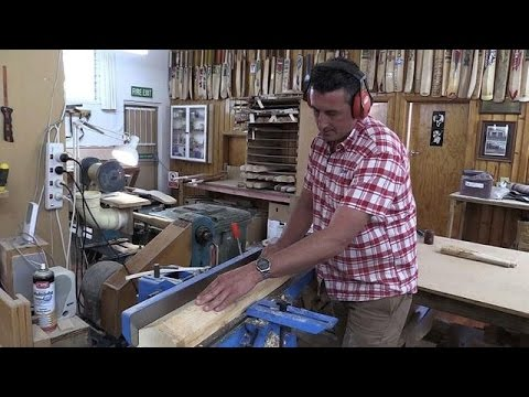 Old-time cricket master carves 'Stradivarius in willow'