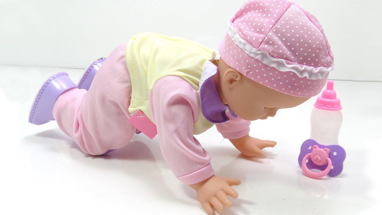 Mu eca bebe que camina gatea hace pataleta habla rie y for Espejo que habla juguete