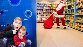 Настоящий САНТА в супермаркете!!!A LIVE SANTA in the supermarket!