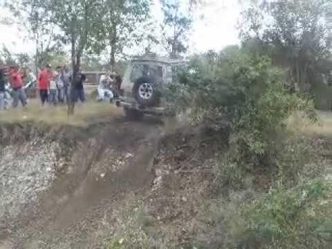 MONTERO Y EL SUPER BRINCO EN LOS POZOS CABO ROJO .AVI
