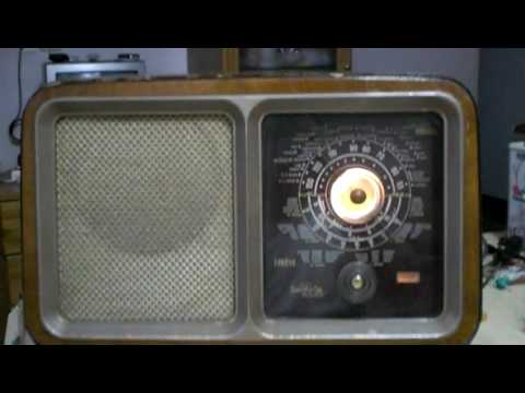 RADIO ANTIGUA  INVICTA MODELO 330-B  DEL AÑO 1950 OLD RADIO