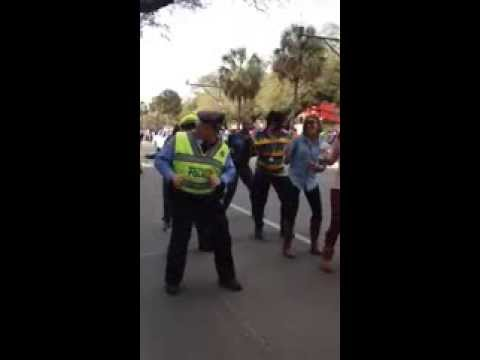 New Orleans Police Officer -wobble Dance Mardi Gras 2014 video