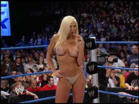 torrie wilson vs trish stratus Video
