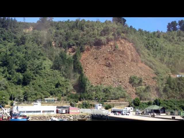 Derrumbe en Niebla, Valdivia 16 de enero 2013  FULL HD...
