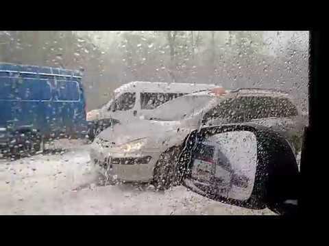 Чебоксары, 20.04.2017. Снегогеддон на дорогах