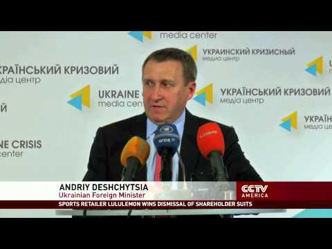 Pro-Ukraine Protesters Demand the Return of Crimea